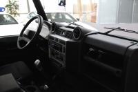 Land Rover Defender I Рестайлинг 90 2.4d MT (122 л.с.) 4WD
